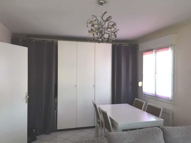 Rental apartment Villette d'anthon 720€ CC - Picture 3