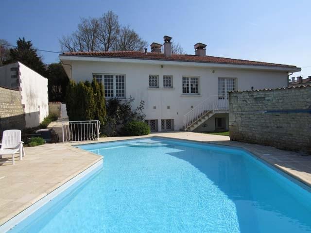 Sale house / villa Saint-jean-d'angély 273245€ - Picture 8