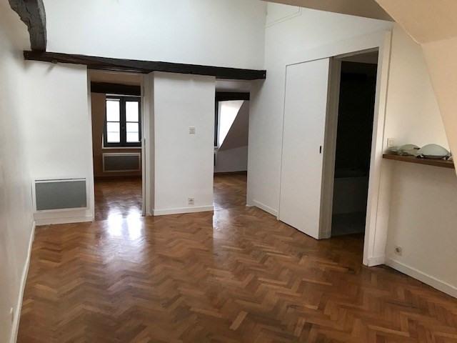 Location appartement Versailles 913,28€ CC - Photo 1