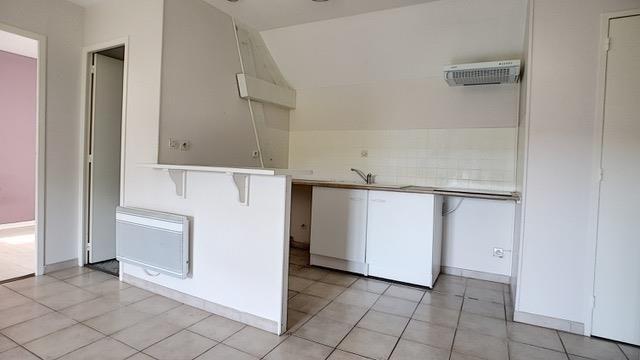Sale apartment Cires les mello 118000€ - Picture 3