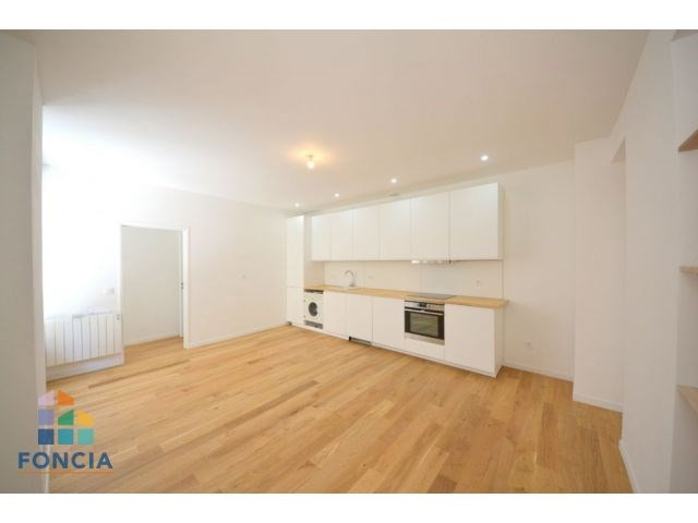 Sale apartment Suresnes 470000€ - Picture 2