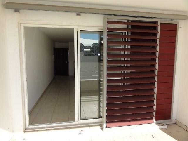 Location appartement St denis 766€ CC - Photo 2