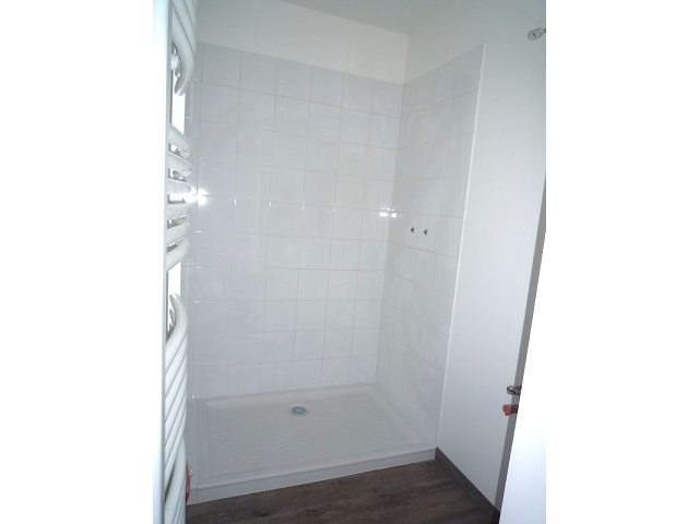 Location appartement St agreve 533€ CC - Photo 4