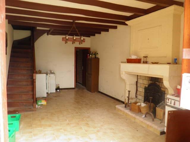 Sale house / villa Saint jean d'angely 57150€ - Picture 4