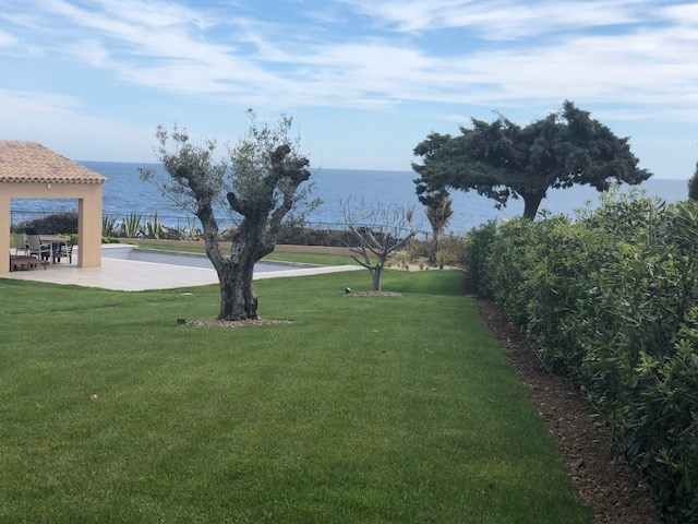 Vacation rental house / villa Les issambres 3375€ - Picture 1