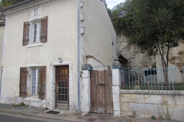 Sale house / villa Saint savinien 69750€ - Picture 1