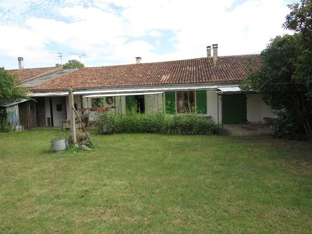 Sale house / villa Archingeay 93900€ - Picture 1
