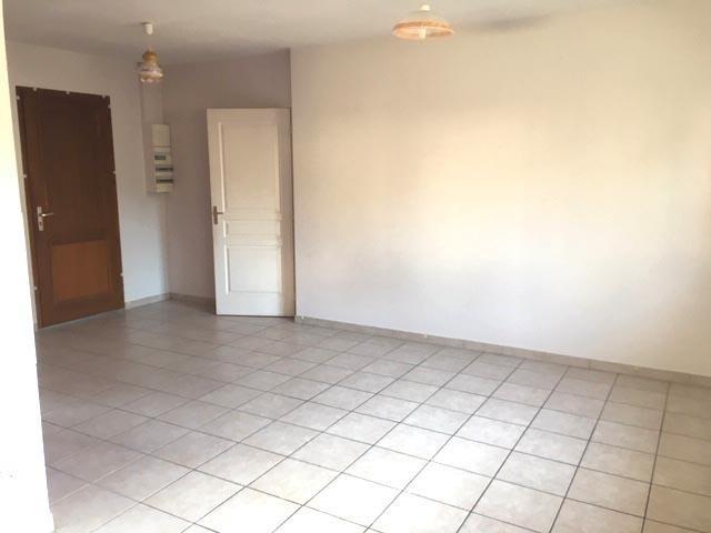 Rental apartment Chavanoz 520€ CC - Picture 4