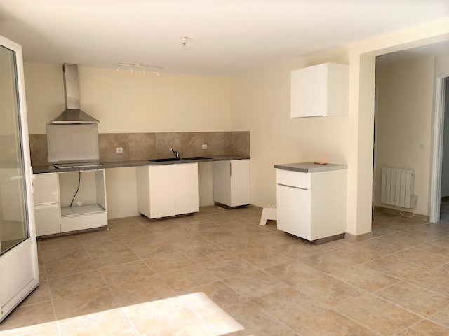 Location appartement Cabries 850€ CC - Photo 2