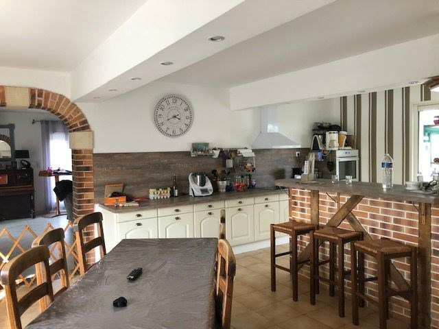 Sale house / villa Lisieux 220500€ - Picture 1
