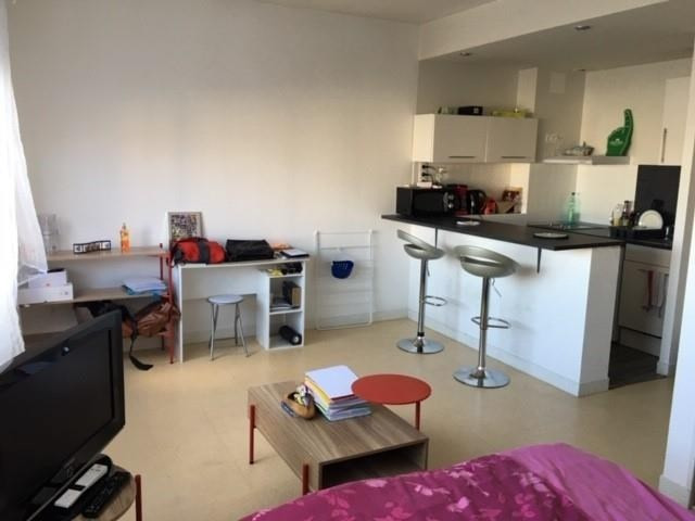 Rental apartment Poitiers 420€ CC - Picture 2