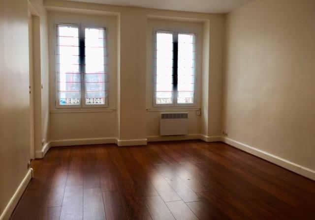 Location appartement Puteaux 920€ CC - Photo 1