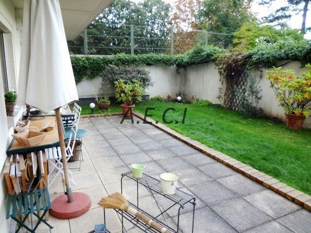 Rental apartment Asnieres sur seine 2 350€ CC - Picture 2