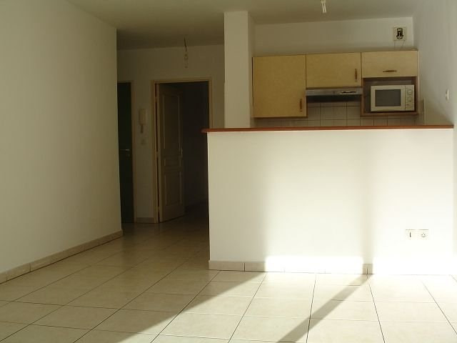 Location appartement St denis 554€ CC - Photo 4
