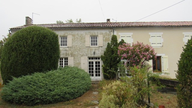 Vente maison / villa Saint jean d'angely 106 500€ - Photo 1