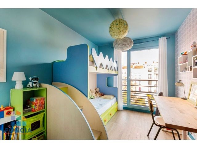 Deluxe sale apartment Suresnes 1 080 000€ - Picture 9