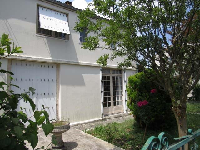 Sale house / villa Saint-jean-d'angély 80250€ - Picture 1