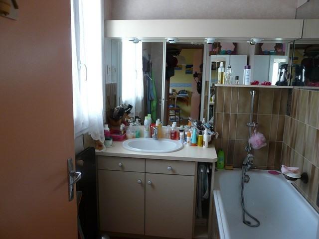 Sale house / villa Chambon-feugerolles (le) 149000€ - Picture 6