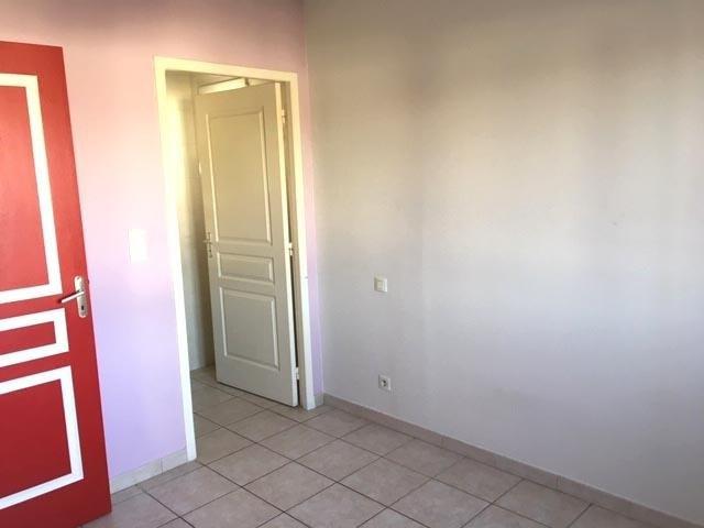 Rental apartment Chavanoz 520€ CC - Picture 6