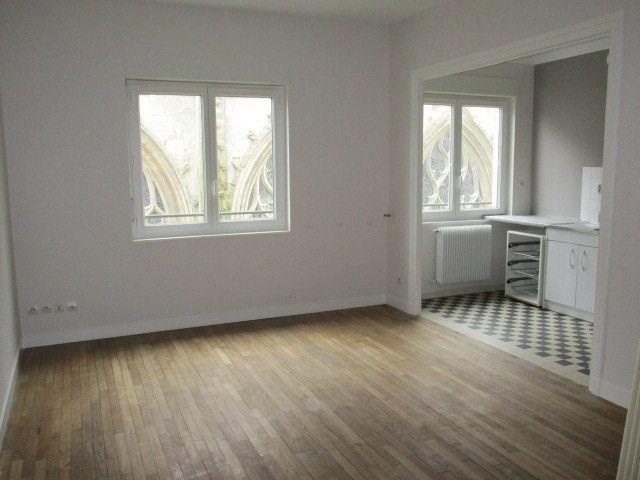 Location appartement St lo 528€ CC - Photo 1