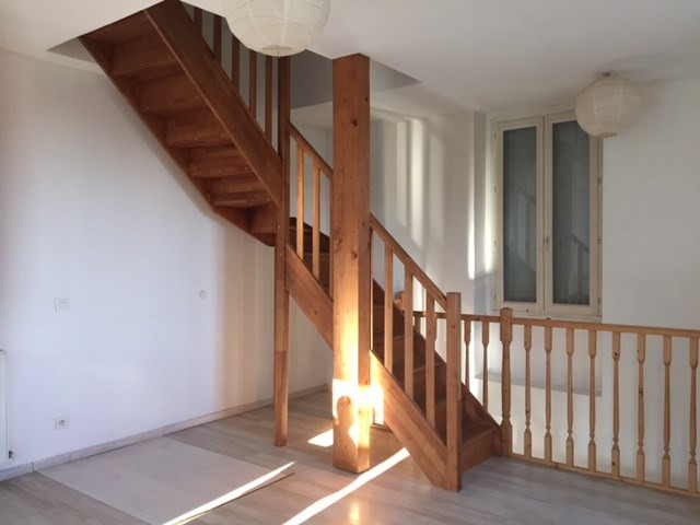 Location appartement Roche-la-moliere 565€ CC - Photo 3
