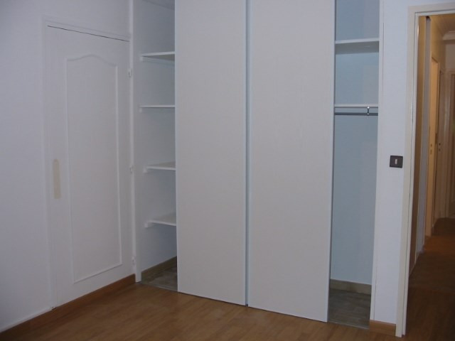 Locação apartamento Genas 805€ CC - Fotografia 2