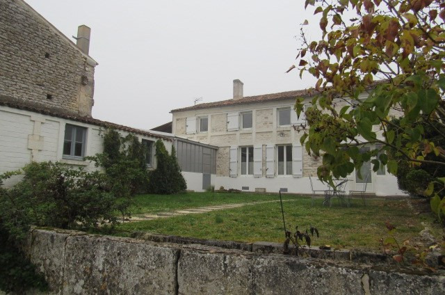Sale house / villa Geay 212 000€ - Picture 3