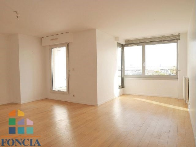 Rental apartment Suresnes 2 333€ CC - Picture 5