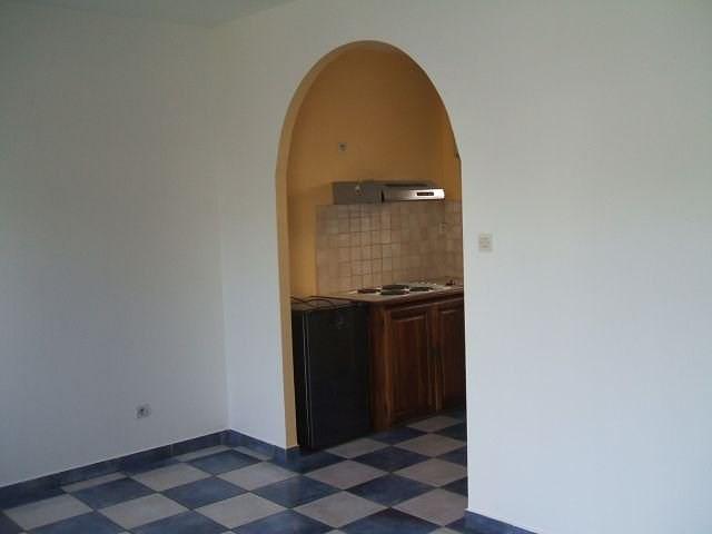 Location appartement St denis 414€ CC - Photo 3