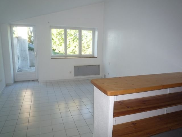 Rental apartment St agreve 200€ CC - Picture 1