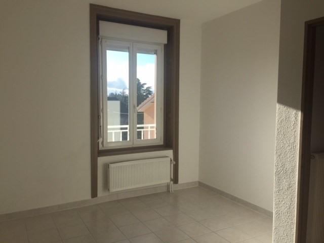 Locação apartamento Saint-just-malmont 676€ CC - Fotografia 3
