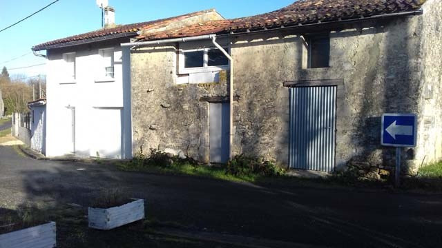 Vente maison / villa Saint-jean-d'angély 106500€ - Photo 1