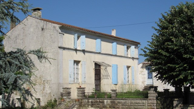 Sale house / villa Saint-savinien 178 000€ - Picture 1