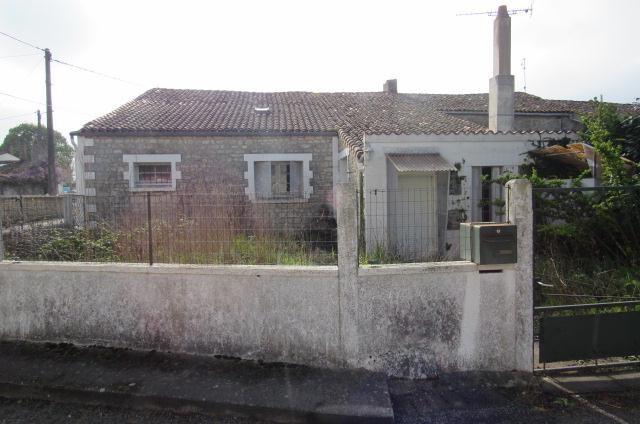 Vente maison / villa Bords 38250€ - Photo 2