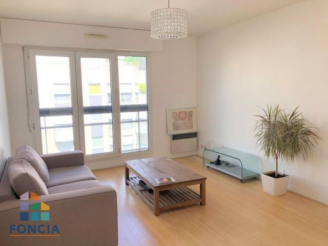 Location appartement Suresnes 1130€ CC - Photo 2