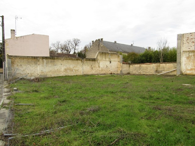 Vente terrain Saint jean d'angély 38 250€ - Photo 1
