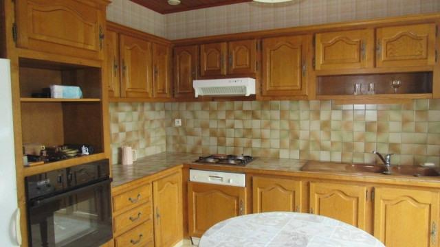Sale house / villa Saint-jean-d'angély 180200€ - Picture 4