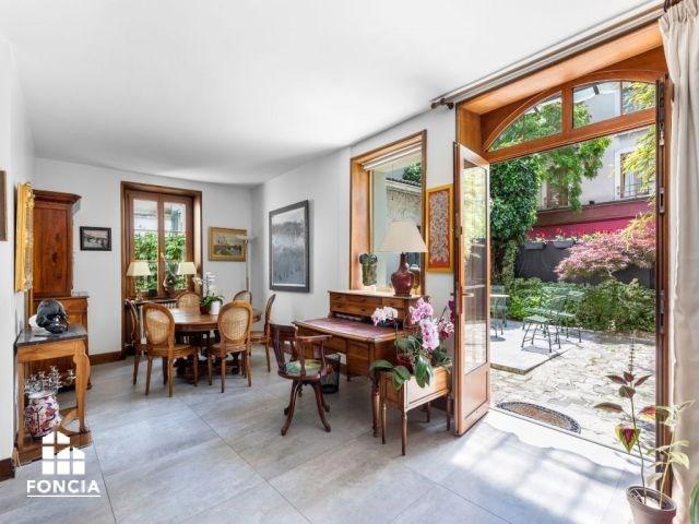 Deluxe sale house / villa Suresnes 1460000€ - Picture 1