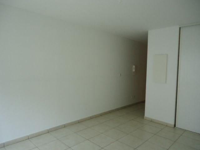 Location appartement St denis 360€ CC - Photo 3