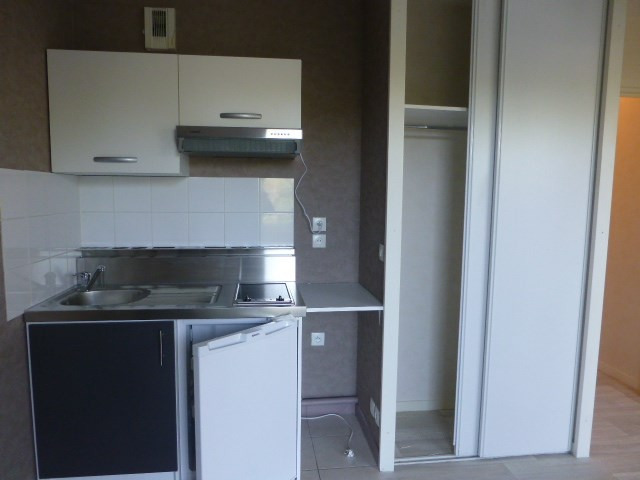 Location appartement Mantes-la-jolie 540€ CC - Photo 5