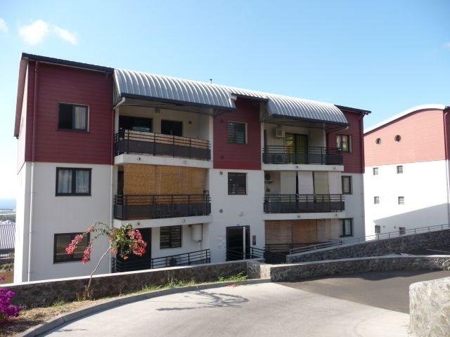 Location appartement La possession 600€ CC - Photo 1