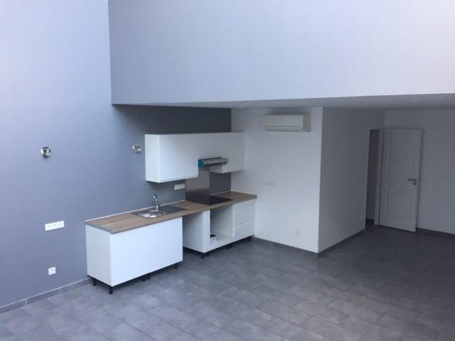 Location appartement Villefranche-sur-saône 900€ CC - Photo 2