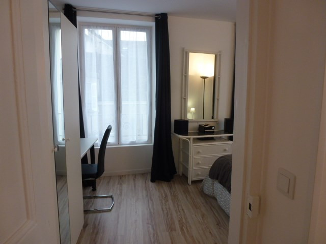Location appartement Fontainebleau 980€ CC - Photo 13