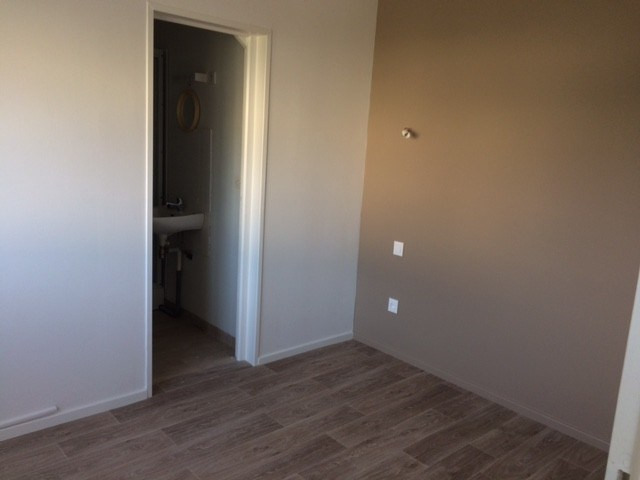 Rental apartment Coutances 302€ CC - Picture 3