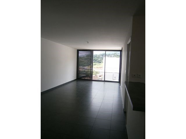Location appartement St denis 799€ CC - Photo 1