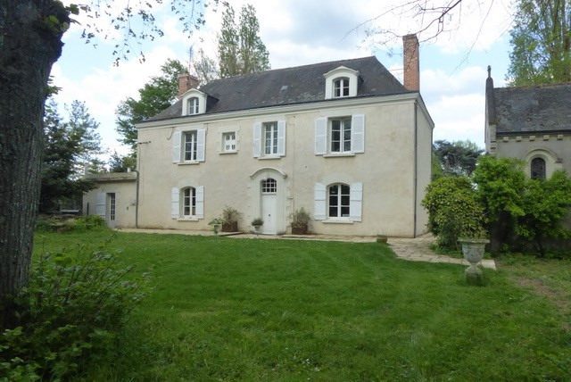 Vente de prestige hôtel particulier Angers 10 mn centre 496000€ - Photo 1