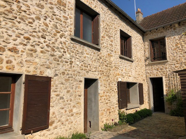 Sale house / villa Feucherolles 585 000€ - Picture 1