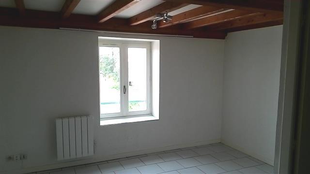 Location appartement Villefranche sur saone 400,42€ CC - Photo 1