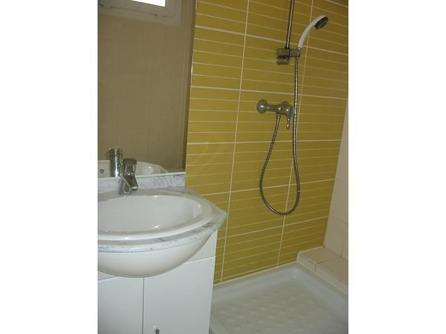 Location appartement St denis 367€ CC - Photo 4