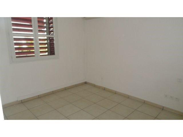 Location appartement Ste clotilde 791€ CC - Photo 3